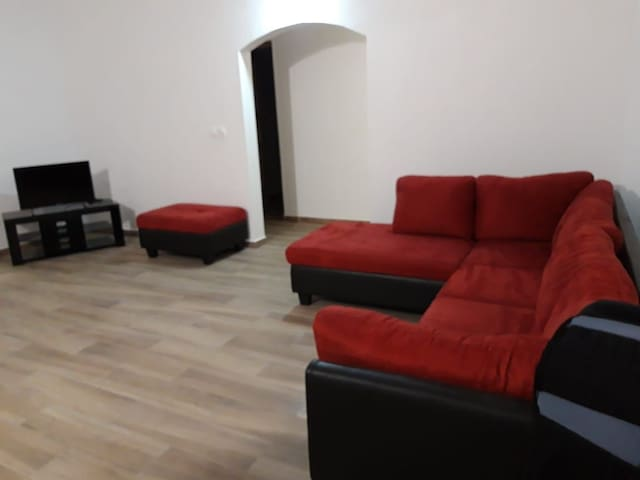 Grand salon + chambre privé - Maison  neuve Gosier