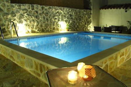 Villa Vino vechhio, sunny and privacy - คาฟแทต - บ้าน