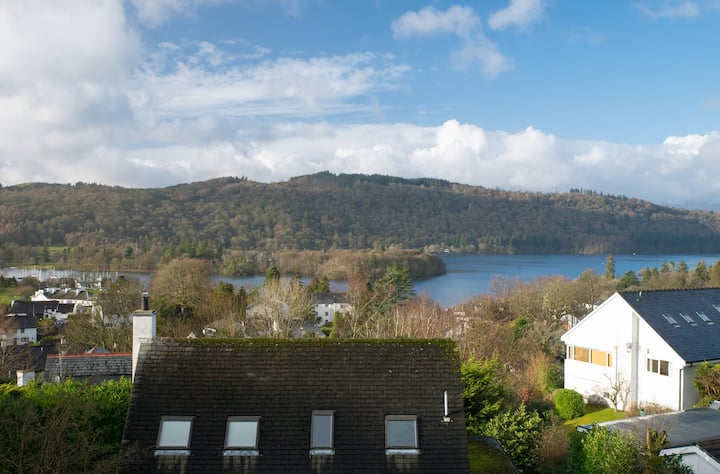 Cosy Character Room: Stunning Lake Windermere View