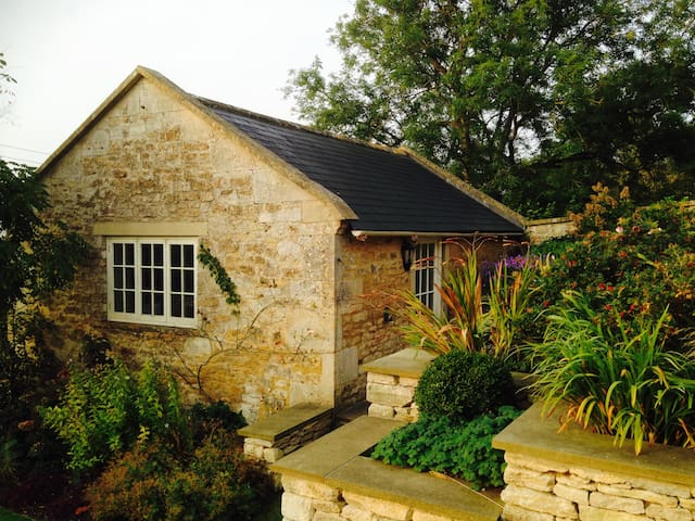 Lovely Cottage Near Bath - Wellow - 獨棟