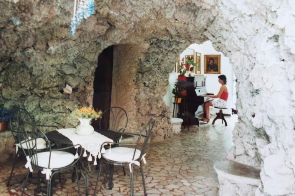 L'ingresso alla Grotta.