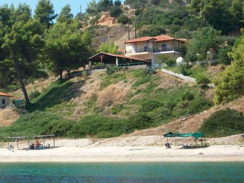 Tsapadas Huis aan de Zee