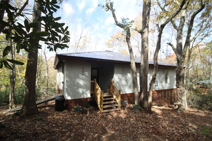 Cozy, Affordable Skiers Chalet - Blowing Rock - Hus