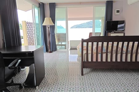 Romantic Bungalow Directly on Beach - Muang  - Flat
