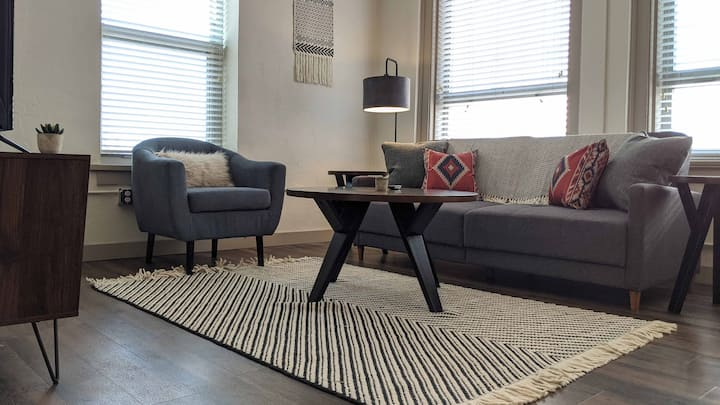 Gorgeous Luxury 1BR in Downtown Wichita