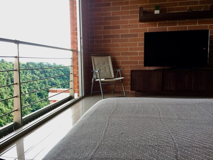 Loft in Pereira, Amazing View to Natural Reserve