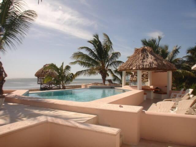 4 Bedroom Private Home on the Beach - San Pedro - Villa