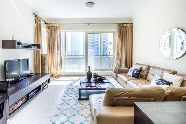 Remarkable 1BR Apartment In Upscale Dubai Marina