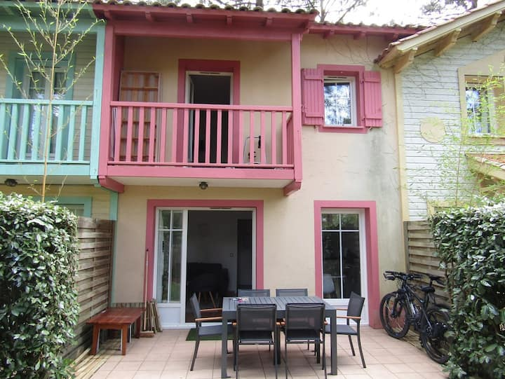Attached house for 4 people, tourist residence with collective heated pool, Lacanau Ocean