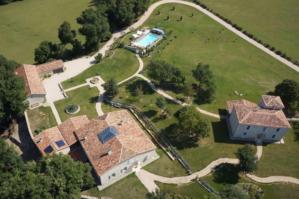 Un parc de 6ha, Piscine, tennis, Putting green, Chênes  Centenaires