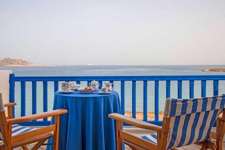 """""""Big Blue"""" Sea Front Villa - Naousa - Naousa - Villa"""