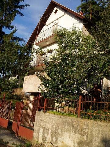 a house for rent in a thermal spa  - Stubičke Toplice - Casa