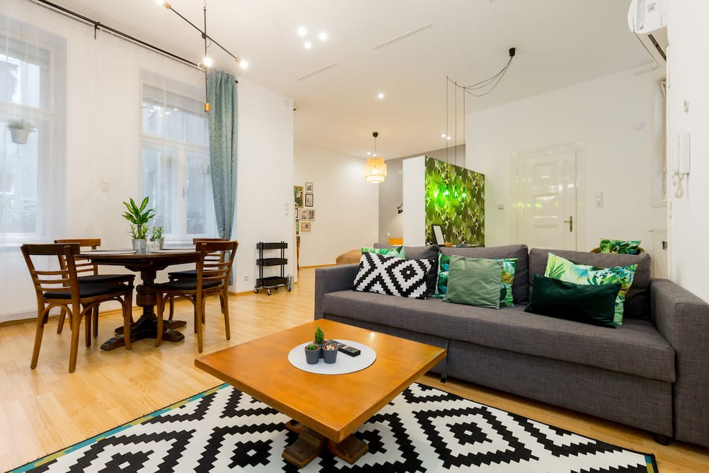Spacious design with wonderful green arts!