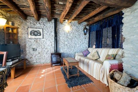 Tradisjonelt bygget hus i Pitres