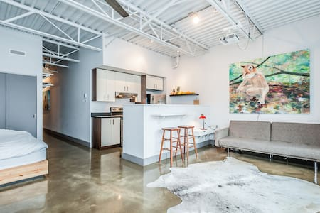 New Artsy Loft in Great Location - Montréal