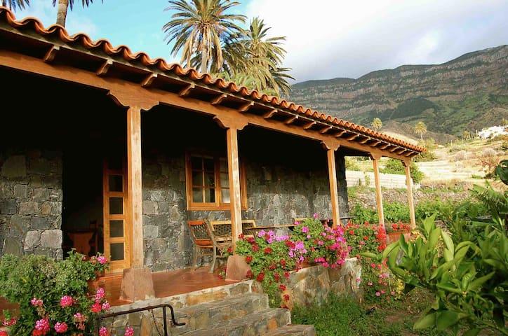 RURAL HOUSE IN  LA GOMERA-V