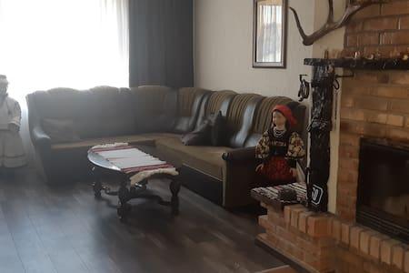Lovely ensuite bedroom in Negresti-Oas area.
