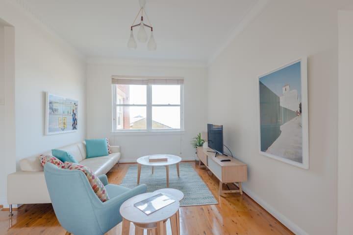 Bronte Beach 2 Bedroom Apartment With Ocean Views