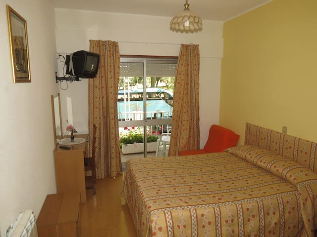Double Room with shared bathroom - Fatima - Annat