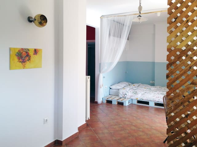 Cosy studio with view to Lycabettus - Athina - Apartment