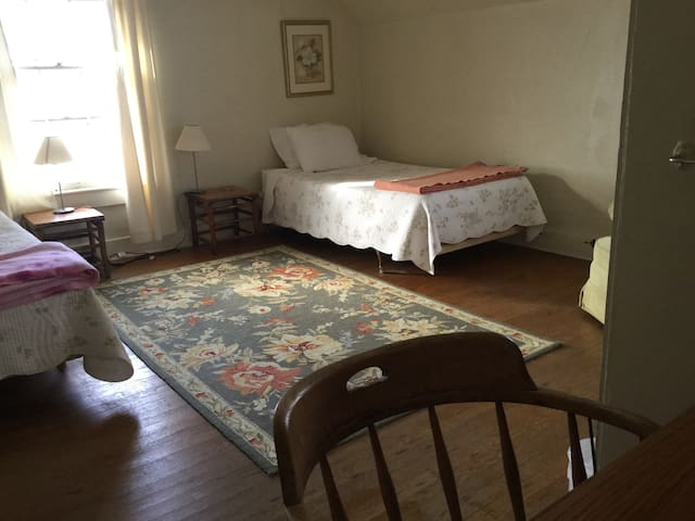 Tidings Farm House - Bedroom 3 - Loveland - Ev