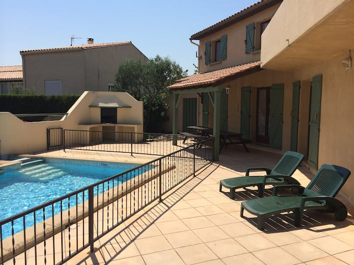 Private villa, with pool & beautiful rural views