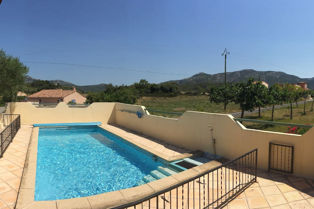 Peaceful views to Corbieres hills