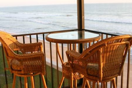 Luxury 2BR/2BA direct oceanfront! - Satellite Beach