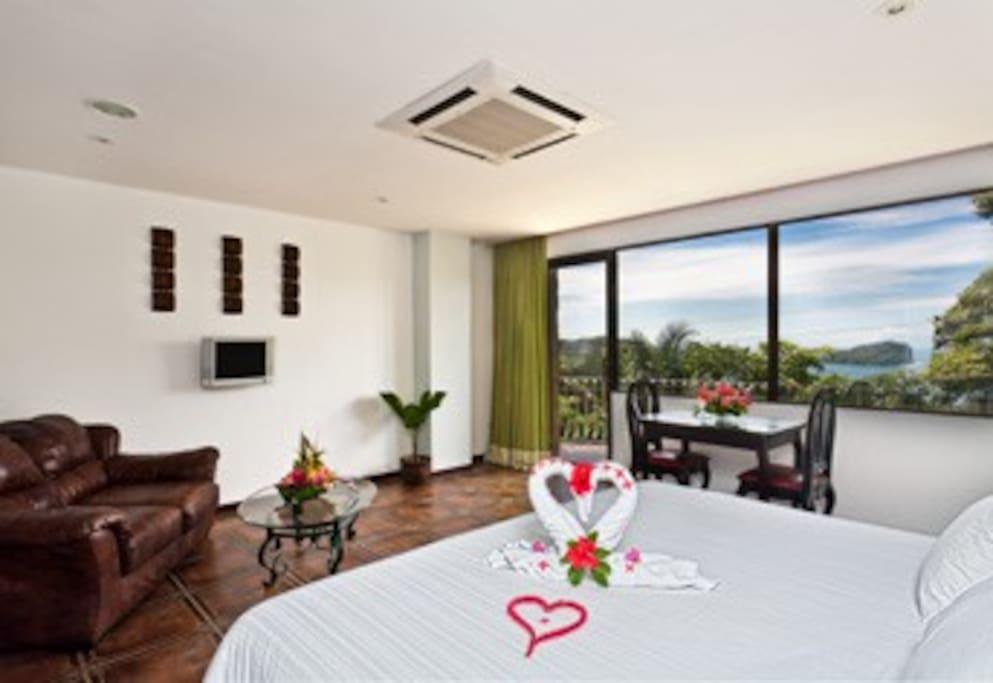 The room has breathtaking ocean views and Manuel Antonio Park