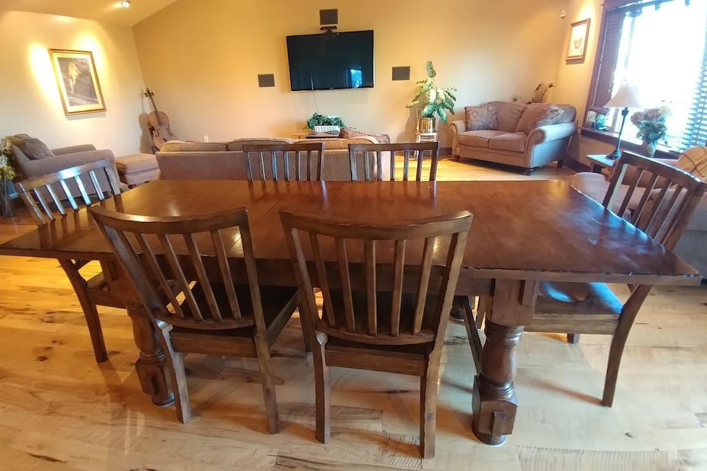 Dining room available for guest use