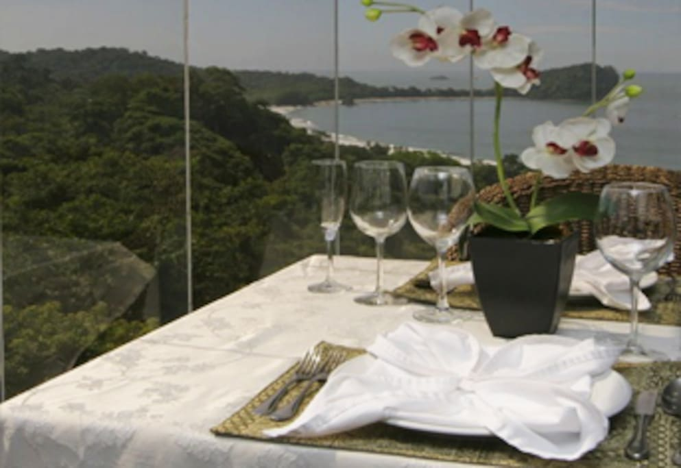stunning views of the ocean, beach and Manuel Antonio National Park