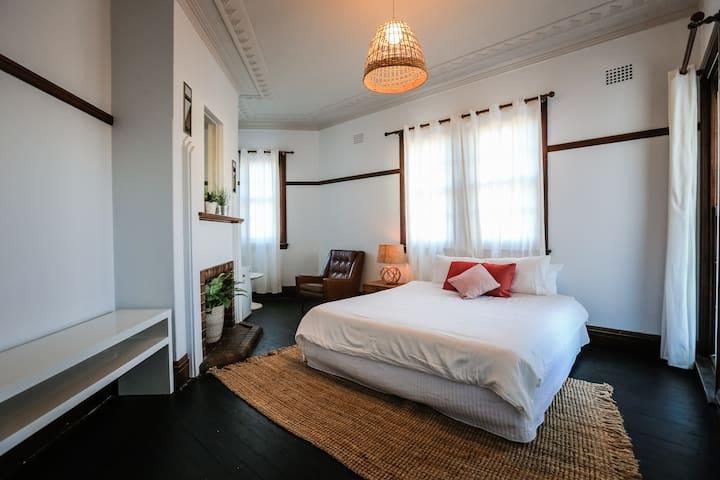 Pub Hotel Rooms in Great Location - Queens Park - Lainnya