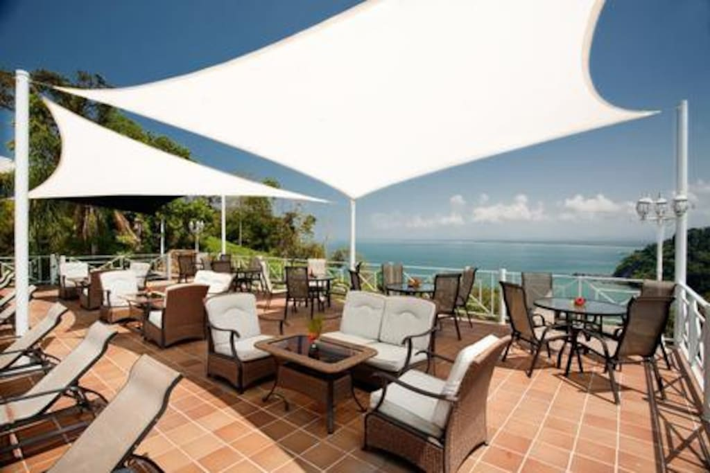 The Sky Lounge with 360 views of the Ocean and Manuel Antonio National Park