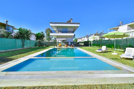 AMADO - Dublex 2 Bed with Pool View and 2 Showers! - Boğazkent Belediyesi - Lejlighed