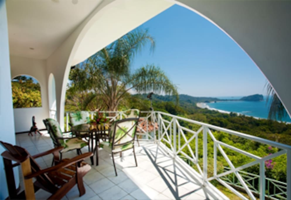 Breathtaking 360 views of the Ocean, beaches and Manuel Antonio!
