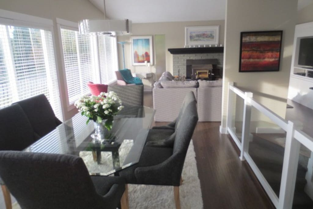 Contemporary open floor plan looking out to ocean view. Bright, all south facing