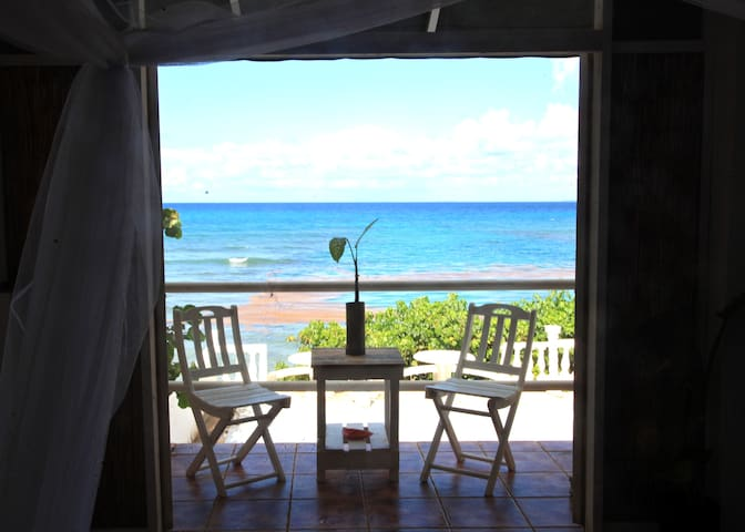 ON BEACH GUESTHOUSE w POOL room #4 - Vieques - Otros