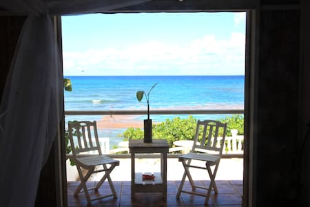 ON BEACH GUESTHOUSE w POOL room #4 - Vieques - Andere