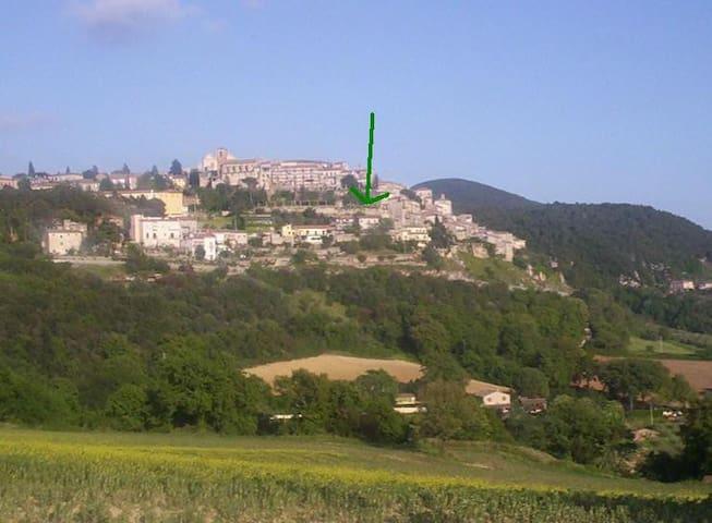 Villa sulle mura - Calvi dell'Umbria