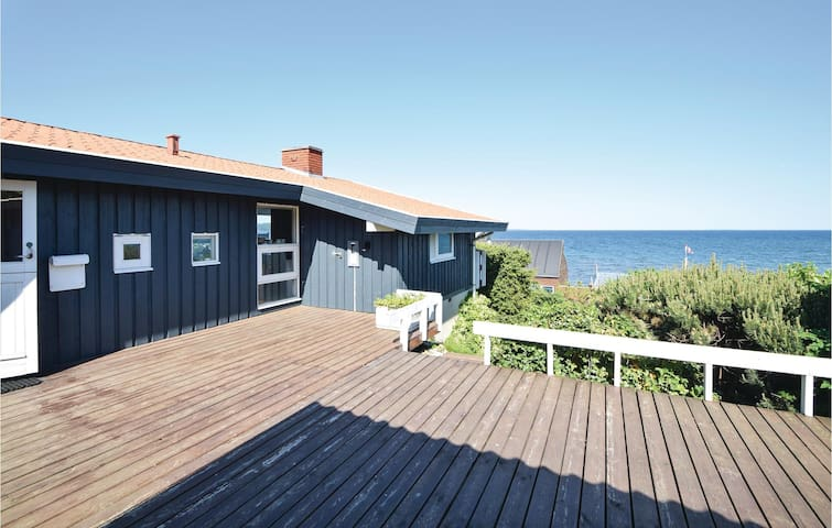 Holiday cottage with 2 bedrooms on 60m² in Børkop