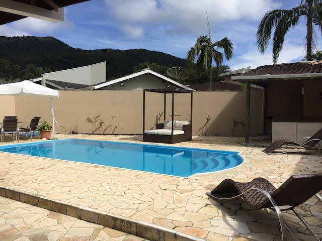 Casa no condômino Costa Verde Tabatinga