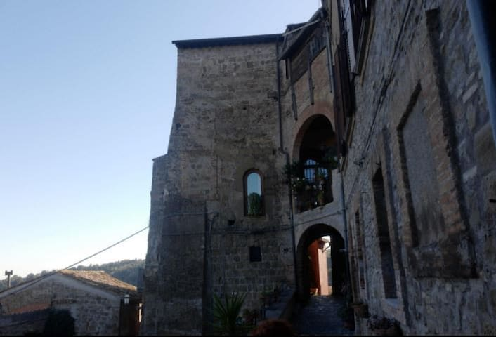 casetta nel borgo medievale