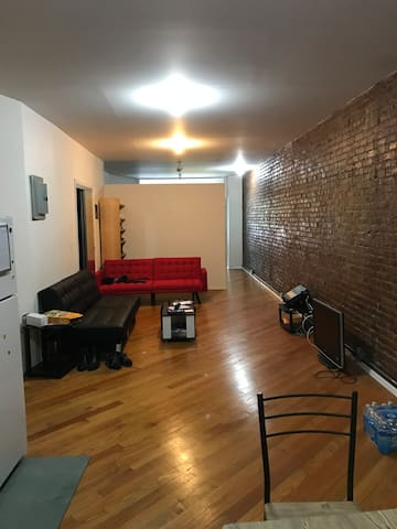 Huge apartment in harlem - New York - Apartemen