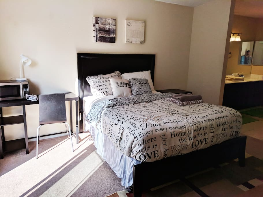 Spacious Master Bedroom Yard W Private Entrance Guest Suites For Rent In San Jose