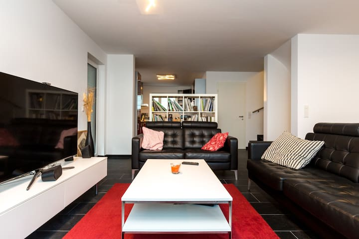 3-4 Rooms in a  house in Cologne