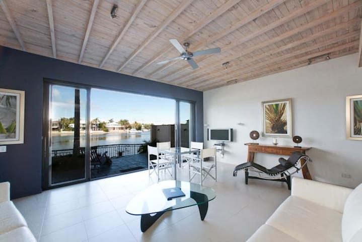 3 Bedroom Waterfront Weyba Quays - Noosa Heads - House