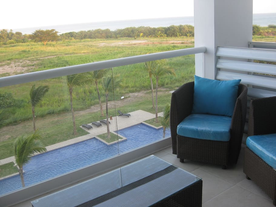 Private Oceanview Outdoor Lounge