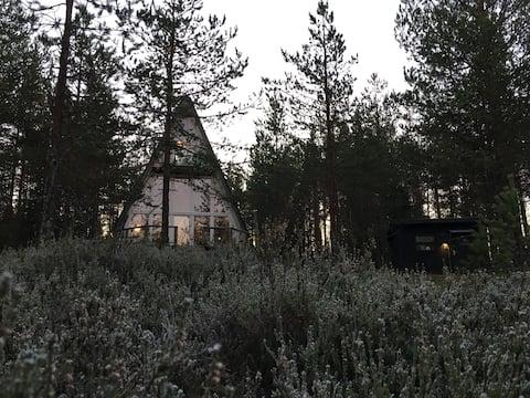 Unik stuga i Höga kusten, utsikt över älv och skog