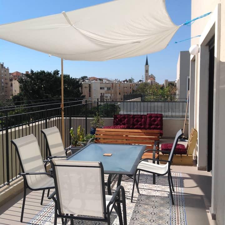 A Rooftop in Yafo, Tel Aviv (2 bedrooms /2 baths)