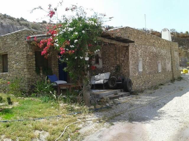 2 HABITACIONES DOBLES  EN CORTIJO - Carboneras - House